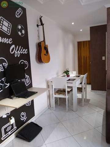 Apartamento, código 8712 em Taubaté, bairro Parque São Luís