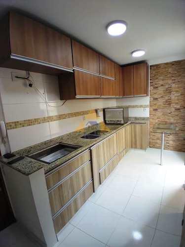 Apartamento, código 10744 em Santo André, bairro Vila Pires