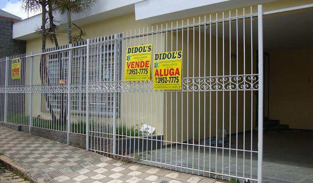 Casa em Jacareí, bairro Centro