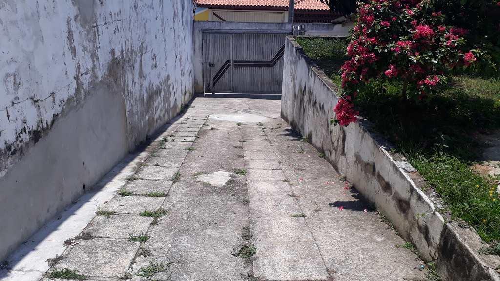 Casa em Jacareí, no bairro Jardim Terras de São João