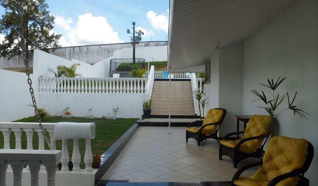 Casa em Jacareí, bairro Jardim Coleginho