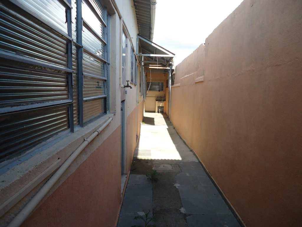 Casa Comercial em Jacareí, no bairro Jardim Jacinto