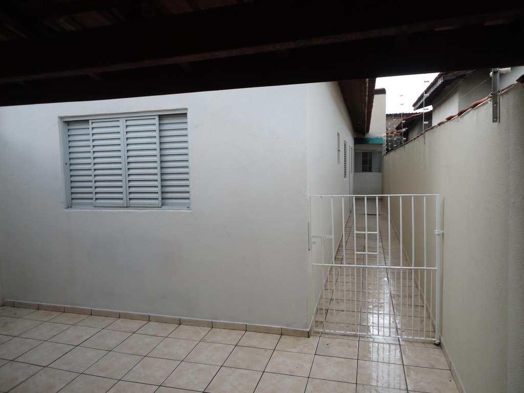 Casa em Jacareí, no bairro Vila Aprazível