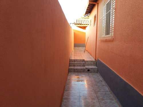 Casa, código 7698 em Jacareí, bairro Jardim Paraíso