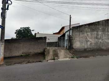 Casa, código 8403 em Jacareí, bairro Jardim Colônia