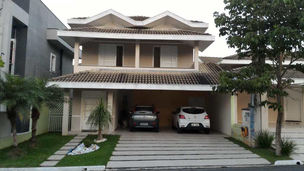 Casa de Condomínio em Jacareí, no bairro Parque Califórnia