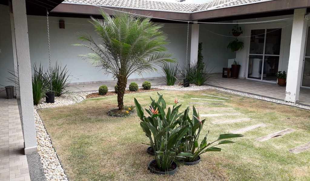 Casa de Condomínio em Jacareí, bairro Loteamento Villa Branca
