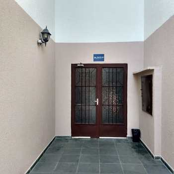 Apartamento em Jacareí, bairro Jardim das Indústrias