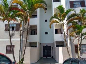 Apartamento, código 8703 em Jacareí, bairro Jardim das Indústrias