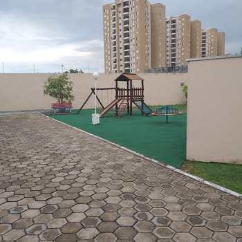 Sobrado de Condomínio em Jacareí, bairro Jardim Emília