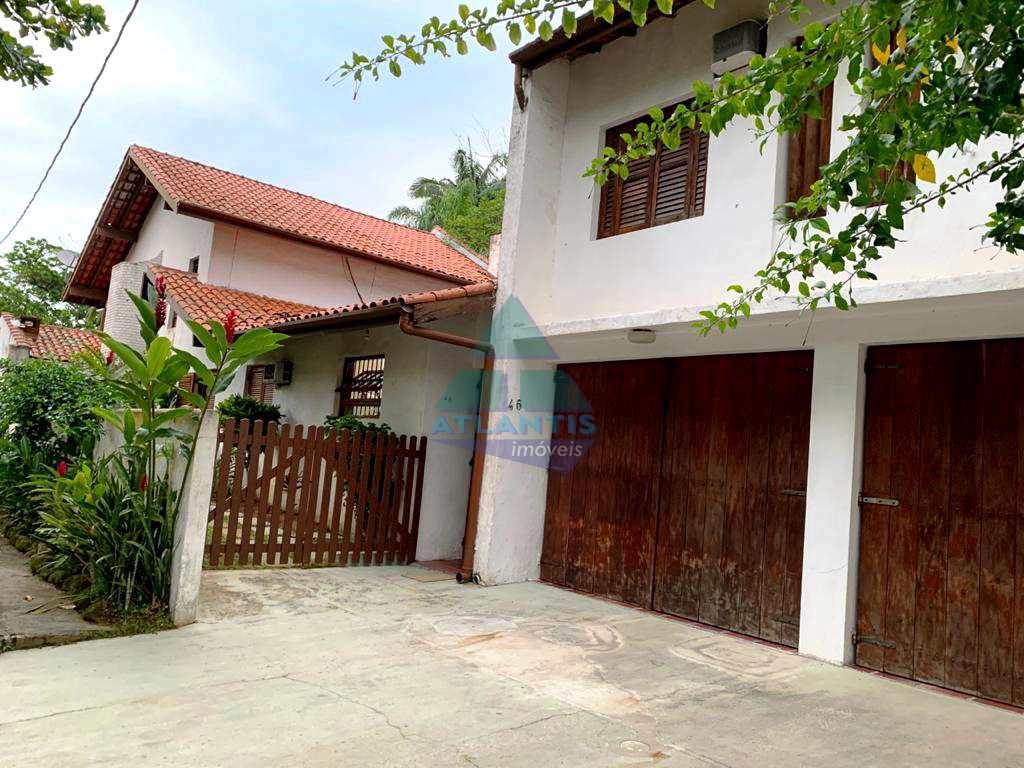 Casa em Ubatuba, no bairro Praia da Enseada