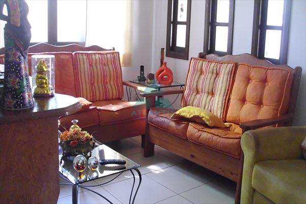Casa em Ubatuba, bairro Maranduba