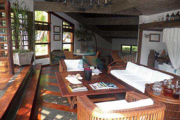 Casa em Ubatuba, bairro Domingas Dias
