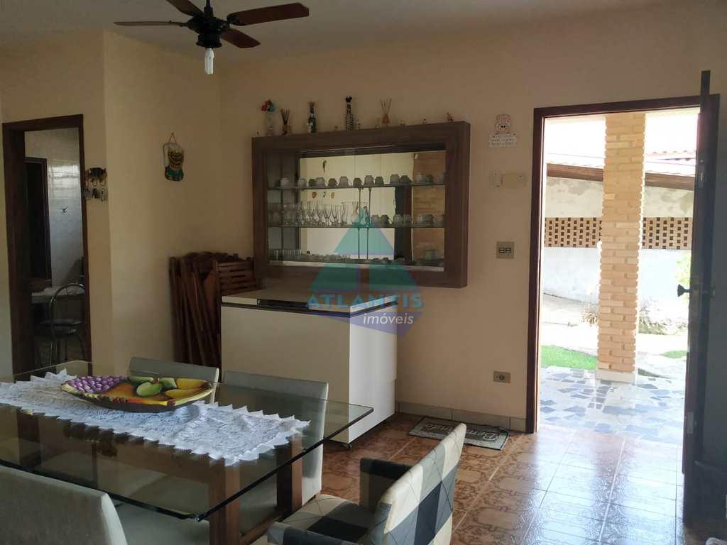 Casa em Ubatuba, no bairro Praia do Sapê