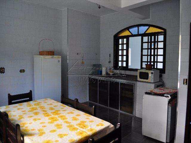 Casa em Ubatuba, no bairro Perequê Mirim