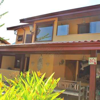 Casa de Condomínio em Ubatuba, bairro Ubatuba Country