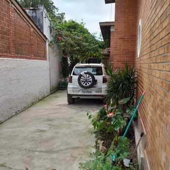 Casa em Ubatuba, bairro Lázaro