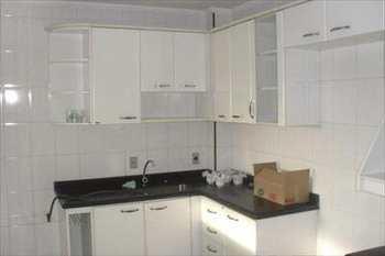 Apartamento, código 381 em São Vicente, bairro Itararé