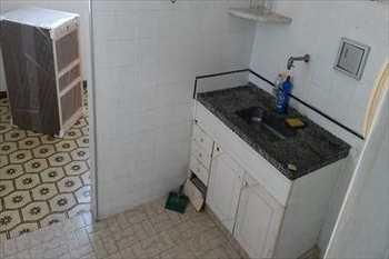 Apartamento, código 415 em São Vicente, bairro Centro