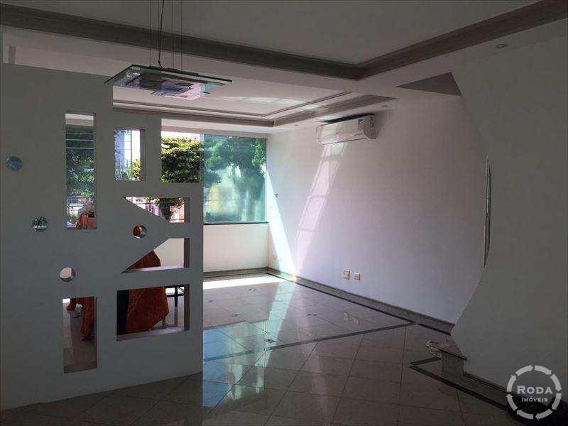 Casa em Santos, no bairro Embaré