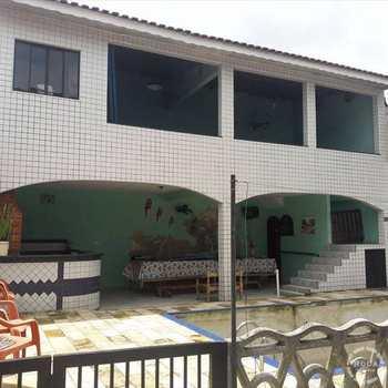 Sobrado em Guarujá, bairro Vila Santa Rosa