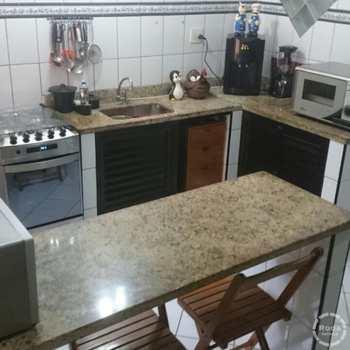 Casa em Santos, bairro Piratininga