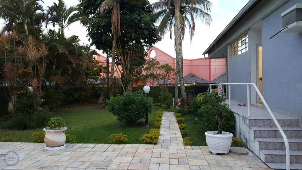 Casa em Guarujá, no bairro Jardim Vitória