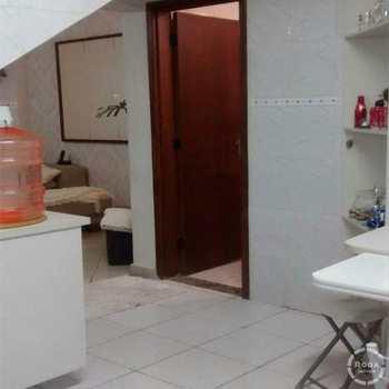 Casa de Condomínio em São Vicente, bairro Vila Voturua
