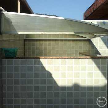 Sobrado em São Vicente, bairro Vila São Jorge