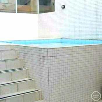 Casa em Santos, bairro Vila Mathias