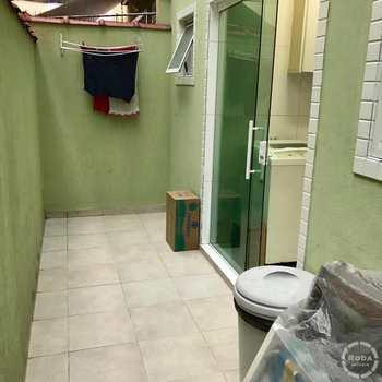 Sobrado em São Vicente, bairro Centro