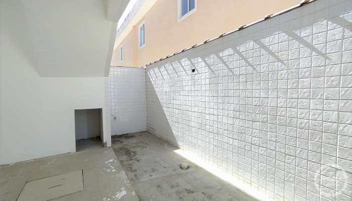 Casa de Condomínio em Santos, bairro Estuário