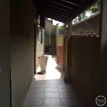 Sobrado em São Vicente, bairro Parque São Vicente