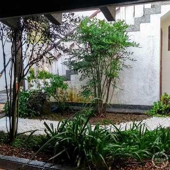 Casa em Guarujá, bairro Jardim Guaiuba