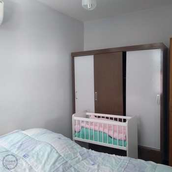 Apartamento em Santos, bairro Aparecida