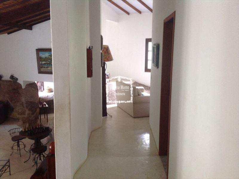 Casa em Ilhabela, bairro Água Branca