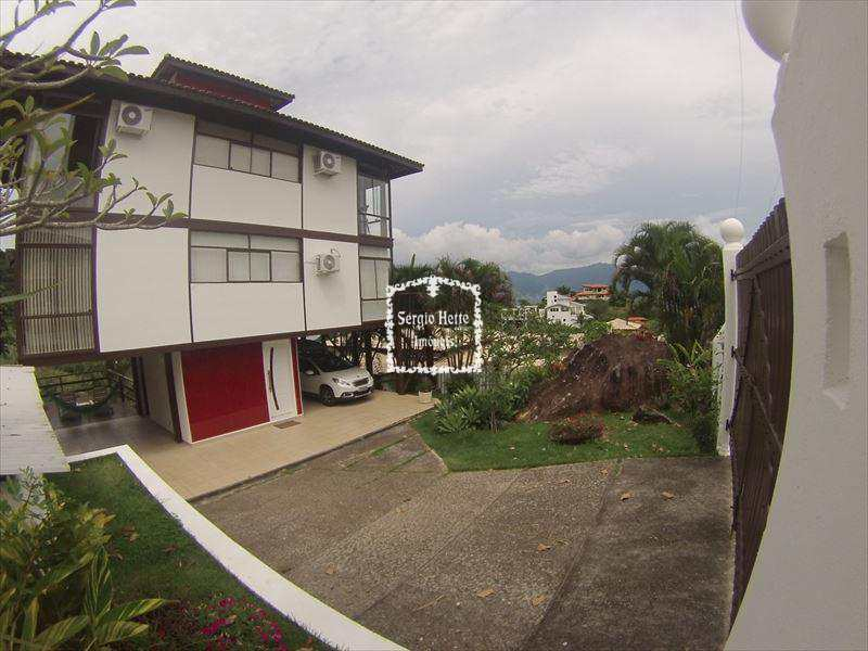 Sobrado em Ilhabela, bairro Siriúba