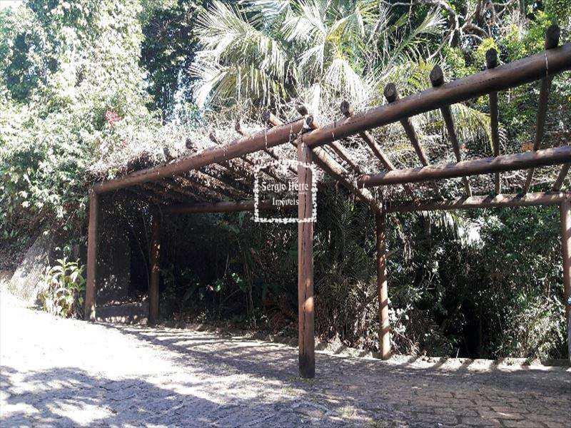 Sobrado de Condomínio em Ilhabela, bairro São Pedro