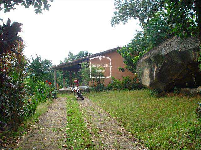 Casa em Ilhabela, bairro Itapecerica