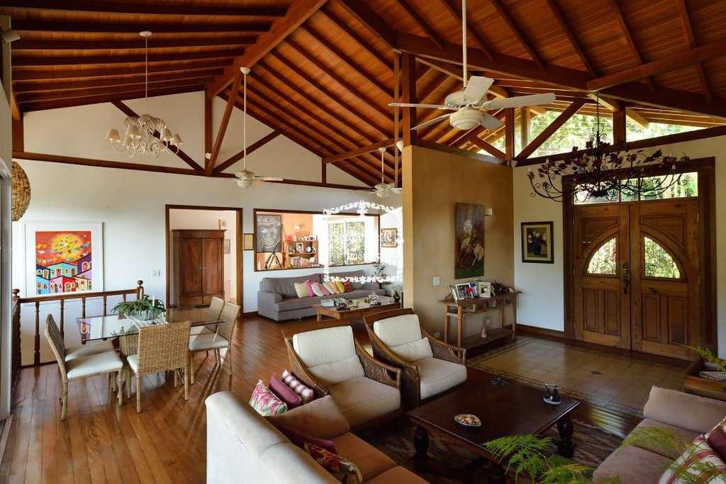Casa em Ilhabela, no bairro Norte