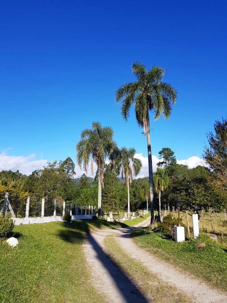 Sítio em Biritiba-Mirim, no bairro Rural