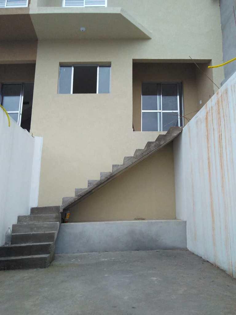 Sobrado de Vila em Biritiba-Mirim, no bairro Jardim Vista Alegre