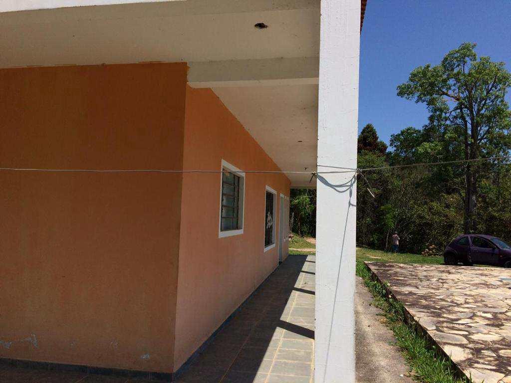 Sítio em Salesópolis, no bairro Paraiquindinha