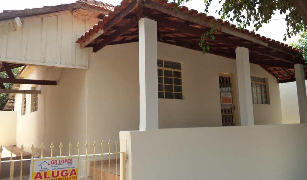 Casa em Presidente Venceslau, bairro Centro