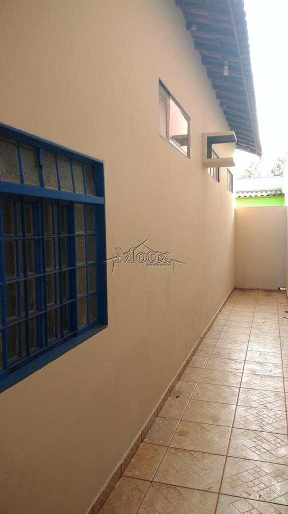 Sala Comercial em Cravinhos, bairro Itapuã