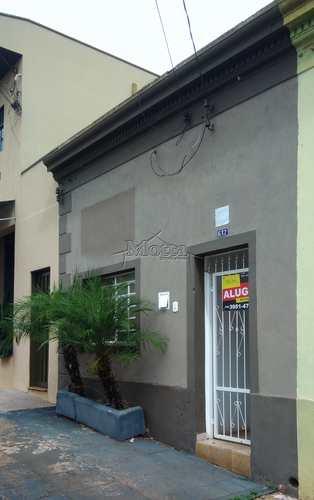 Casa, código 713 em Cravinhos, bairro Centro