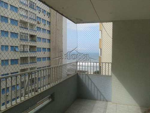 Apartamento, código 635 em Guarujá, bairro Centro
