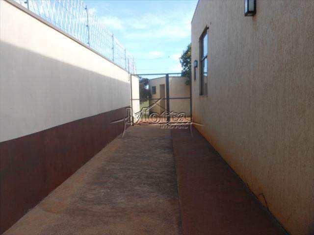 Prédio Industrial em Cravinhos, no bairro Jardim Botanico