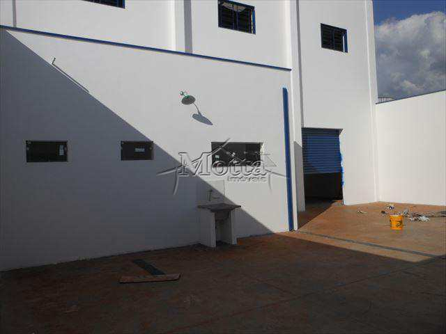 Galpão em Cravinhos, bairro Distrito Industrial