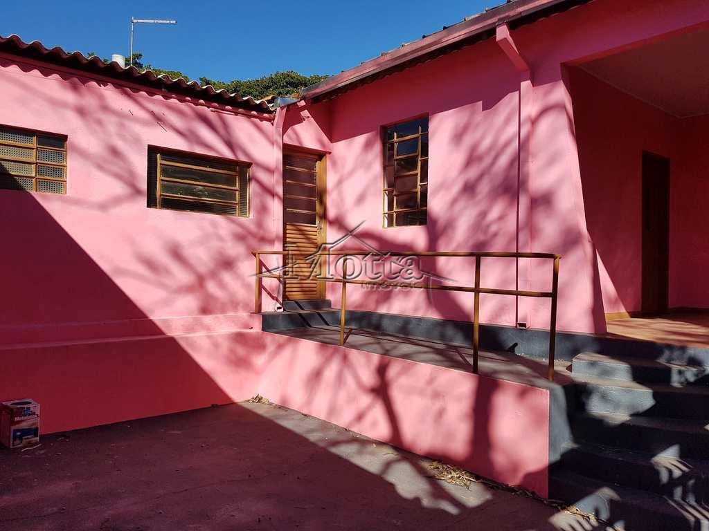 Casa em Cravinhos, no bairro Centro